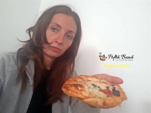 minipizza cu legume cascaval sunca 3 500x375 - Minipizza cu legume si sunca