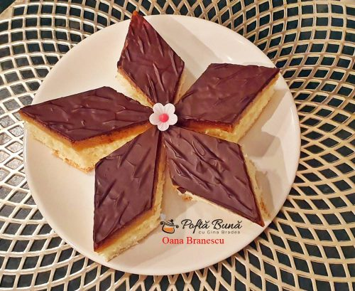 Prajitura cu mere si glazura de ciocolata