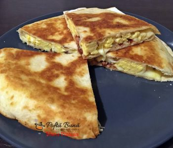 Quesadilla cu ou si bacon