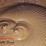 tort cu blat din bezea si alune caramel si crema de ciocolata 4 150x150 - Tort cu blat din bezea si alune, caramel si ciocolata
