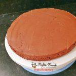tort cu doua blaturi si crema de ciocolata 1 150x150 - Tort de ciocolata si doua blaturi