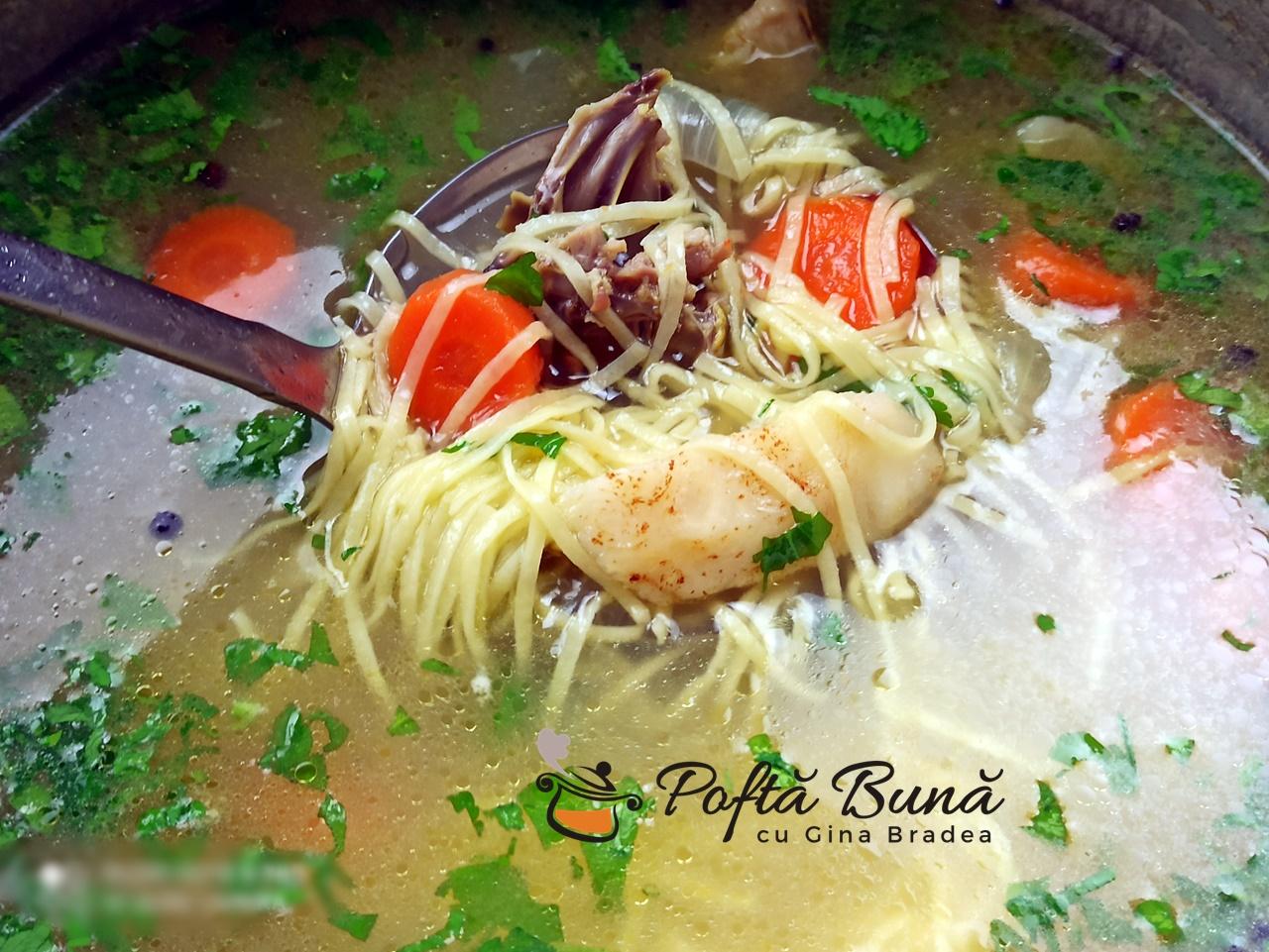 Supa de pui cu taitei de casa - reteta de zeama traditionala,