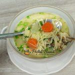 Supa de pui cu taitei de casa - reteta de zeama traditionala