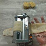 Taitei de casa cu ou pentru supa reteta traditionala gina bradea 10 150x150 - Taitei de casa cu ou, reteta traditionala