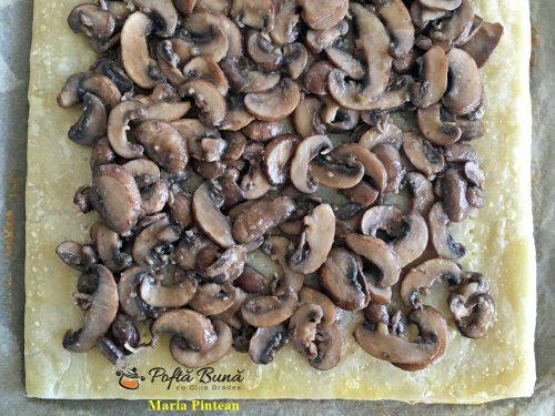 tarta cu ciuperci si carnaciori de bere 5 500x375 - Tarta cu ciuperci si carnaciori de bere