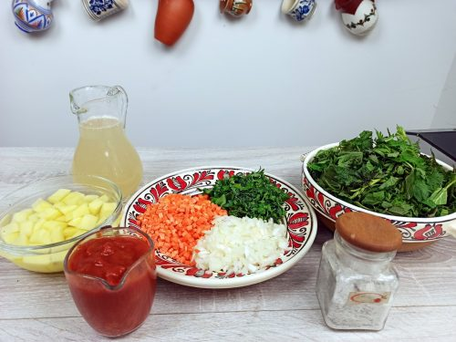 Ciorba de urzici cu cartofi reteta gina bradea 2 500x375 - Ciorba de urzici cu cartofi - reteta de post