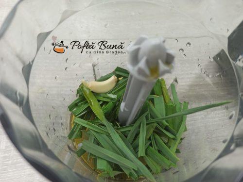 Paine cu usturoi pampuste balabuste reteta gina bradea 6 500x375 - Paine cu usturoi - pampuste, reteta traditionala