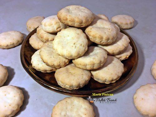 biscuiti cu smantana reteta pas cu pas 1 500x375 - Biscuiti cu smantana
