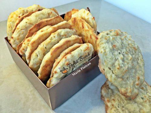biscuiti cu usturoi bere reteta biscuiti aperitiv 1 500x375 - Index retete culinare (categorii)