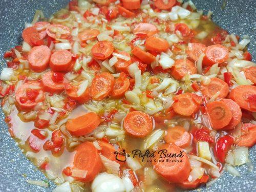 Mancare de mazare cu pui si morcov reteta veche gina bradea 6 500x375 - Mancare de mazare cu carne de pui si morcov