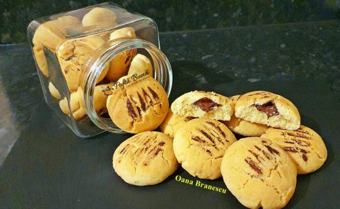 reteta biscuiti cu ciocolata 6 700x431 - Biscuiti cu ciocolata