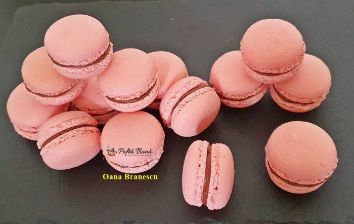 reteta macarons cu ciocolata 1 700x442 - Macarons cu ciocolata