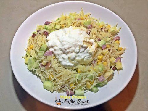 Salata de paste cu legume si sunca