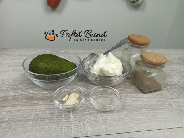 Crema de avocado cu branza si usturoi reteta gina bradea 2 700x525 - Crema de avocado cu branza si usturoi