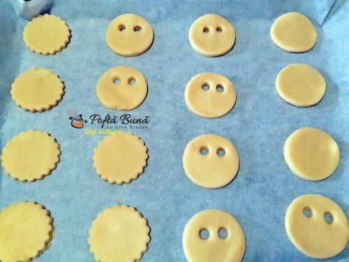 reteta biscuiti de halloween 4 500x375 - Biscuiti de Halloween