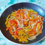 tarata sarata din aluat foietaj cu legume si costita afumata 2 150x150 - Tarta sarata din aluat foietaj cu legume si costita afumata