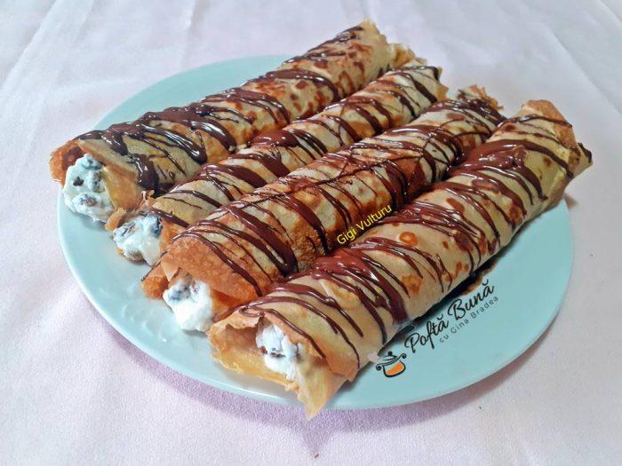 Clatite din faina de castane umplute cu ricotta si stafide