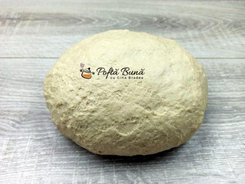 Pizza cu de toate si blat pufos reteta romaneasca 11 500x376 - Pizza cu de toate si blat pufos, reteta romaneasca