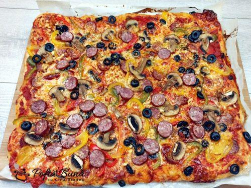 Pizza cu de toate si blat pufos reteta romaneasca 8 500x376 - Pizza cu de toate si blat pufos, reteta romaneasca