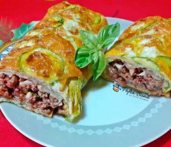 rulada din omleta cu dovlecei carne tocata 1 350x300 - Index retete culinare (categorii)