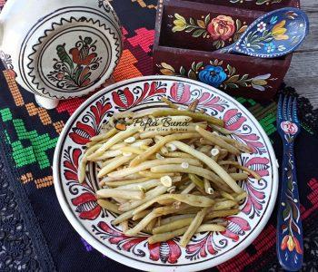 Fasole verde cu usturoi - reteta de pastai aite