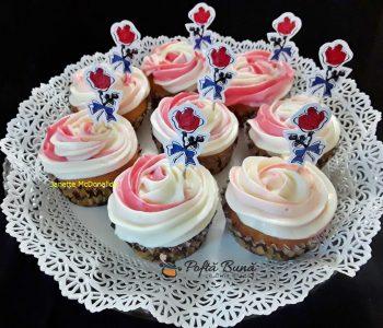 cupcakes cu crema de mascarpone si branza 1 350x300 - Index retete culinare (categorii)