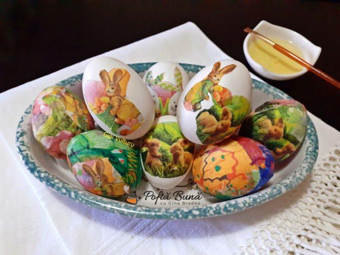 oua vopsite cu tehnica servetelului 1 700x525 - Oua vopsite cu tehnica servetelului