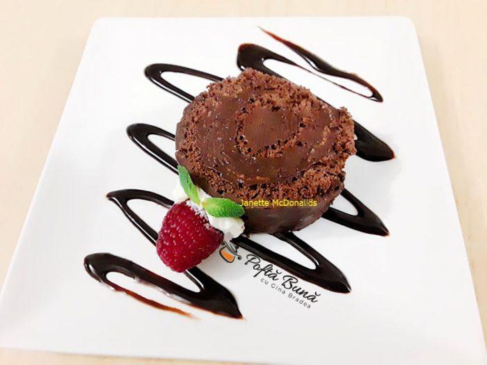 Rulada cu crema de ciocolata