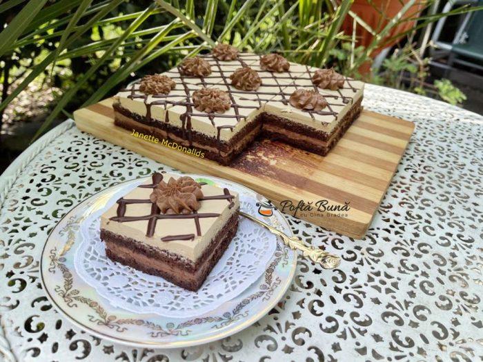 prajitura cu crema de ciocolata si ness 1 700x525 - Prajitura cu crema de ciocolata si ness