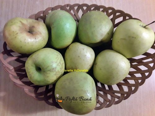 Prajitura de post cu mere
