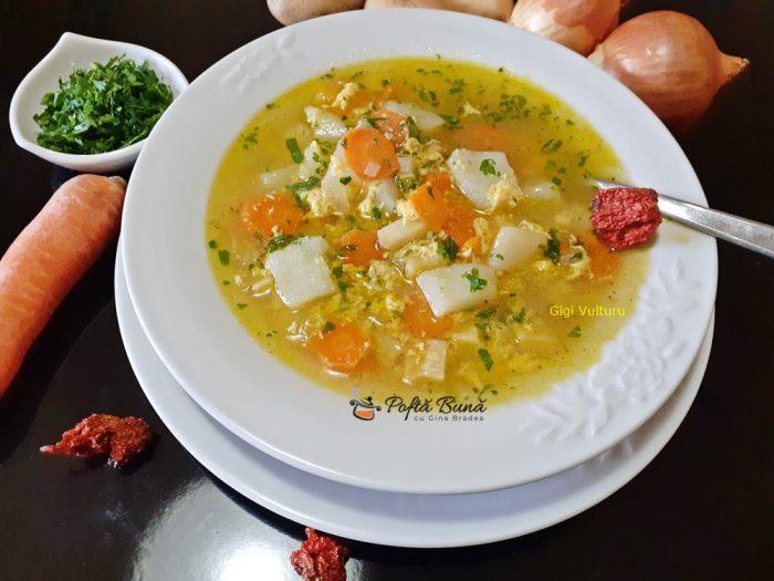Supa de cartofi cu zdrente de ou