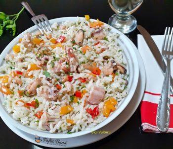 salata de orez cu fructe de mare 2 350x300 - Index retete culinare (categorii)