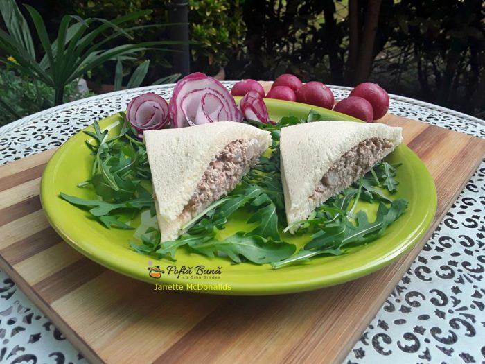 Tramezzini cu ton si ceapa, reteta venetiana de sandvisuri cu ton