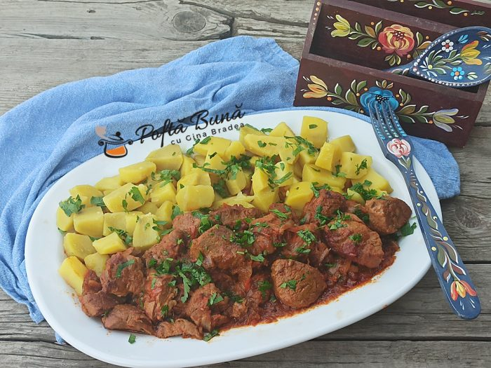 Tocanita dina carne de porc reteta ungureasca gina bradea 6 700x525 - Tocanita de porc reteta ungureasca