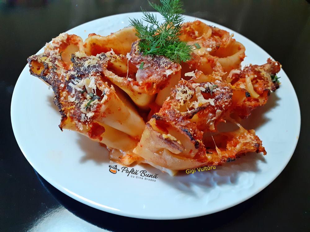 paste la cuptor cu sos de rosii mozzarella 5 - Paste la cuptor cu sos de rosii si mozzarella