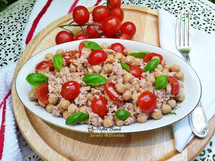 salata cu naut ton rosii cherry 1 700x525 - Salata cu naut, ton si rosii cherry