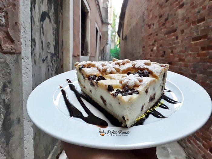 Tarta cu urda si picaturi de ciocolata
