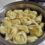 tortellini cu sos de rosii 4 150x150 - Tortellini cu sos de rosii