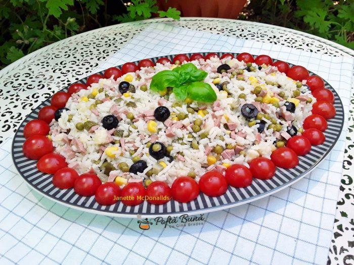 Salata de orez cu legume si prosciutto