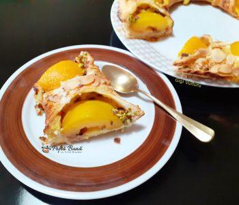 coronita aluat foietaj crema vanilie piersici gina bradea 3 350x300 - Index retete culinare (categorii)